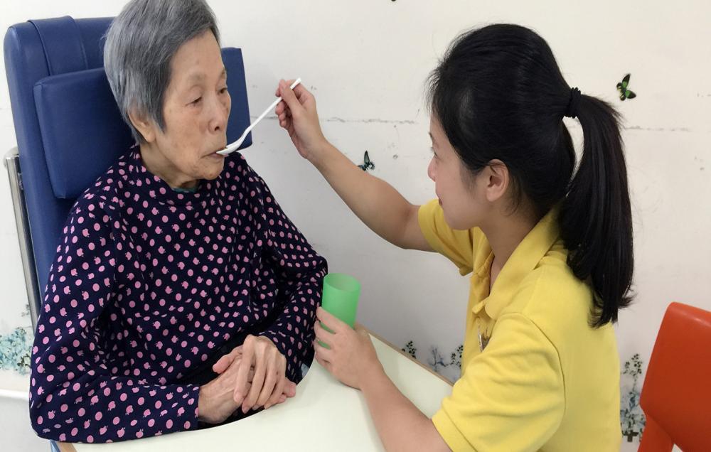 护理服务及或个人照顾服务